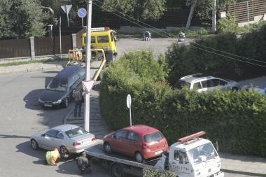 Kauno klinikas dusina automobiliai
