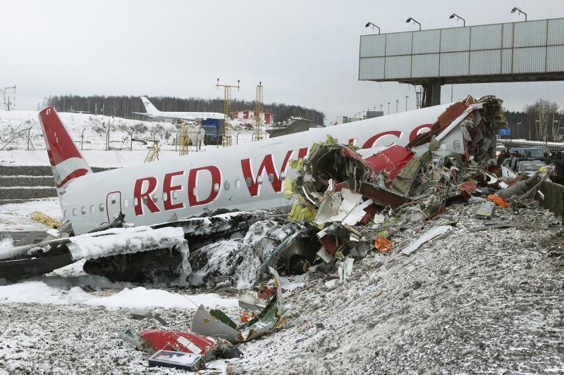 Tyrėjai: dėl lėktuvo katastrofos Maskvoje kalti stabdžiai