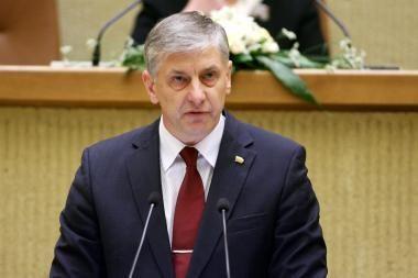 Parlamentinėmis lėšomis kraujo donorystę propagavęs A.Dumbrava turės grąžinti 1000 litų