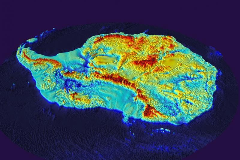 Antarktida: kas slepiasi po žemyną gaubiančia ledo pluta?