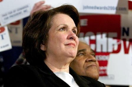 Po ilgos kovos su vėžiu mirė iškili JAV teisininkė ir aktyvistė E.Edwards