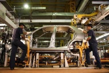 Irane gamins automobilį moterims