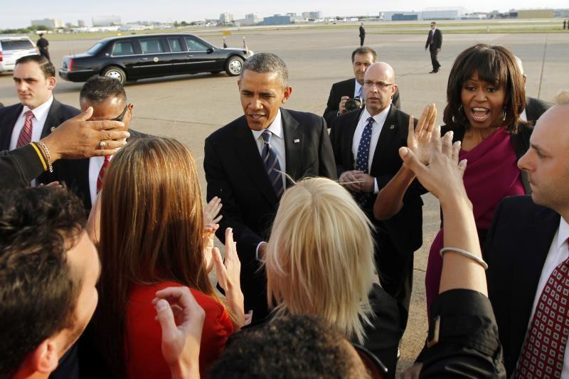 """Obamos dovanų sąraše - """"Hermes"""" golfo krepšys, statula ir figūrėlės"""