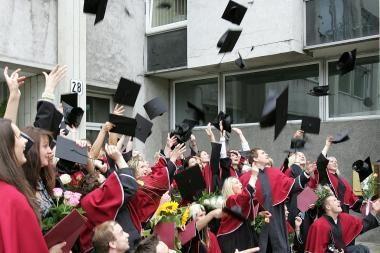 Planuojama įforminti 6 metų doktorantūros galimybę
