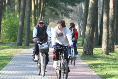 Paskutinį vasaros savaitgalį – rožinių dviračių ekskursija