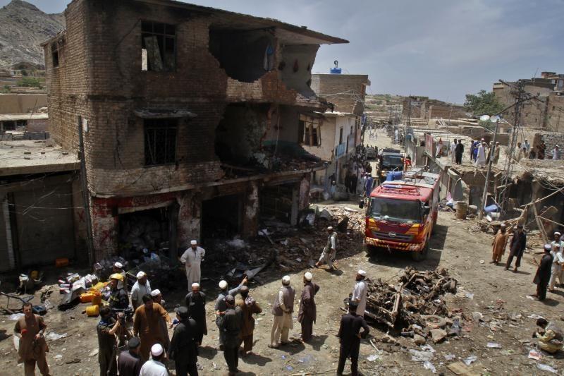 Pakistane per sprogdinimą turguje žuvo 26 žmonės, sužeisti 65