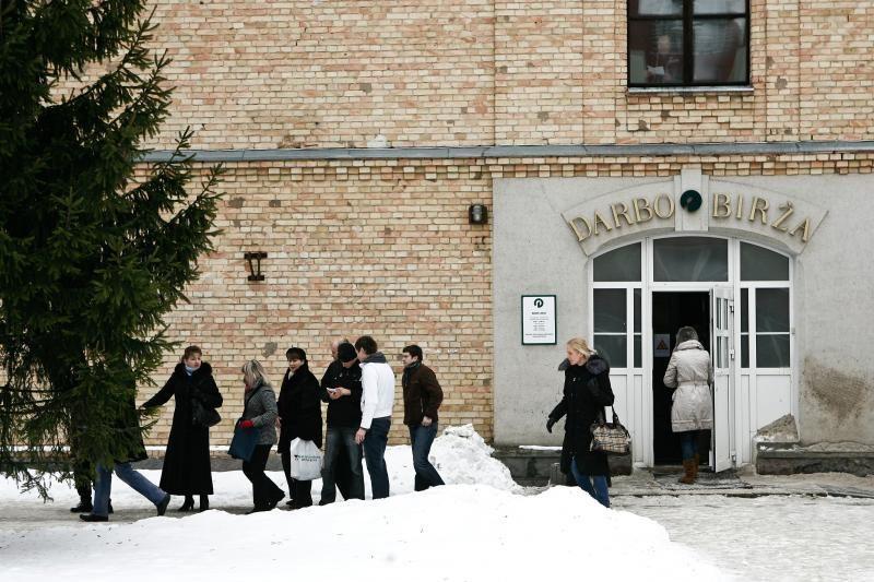 D. Grybauskaitė džiaugėsi mažėjančiu jaunimo nedarbu