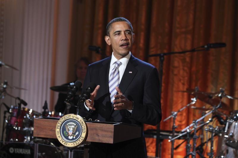 Obamos ir Romney pozicijos apylygės, rodo nauja apklausa