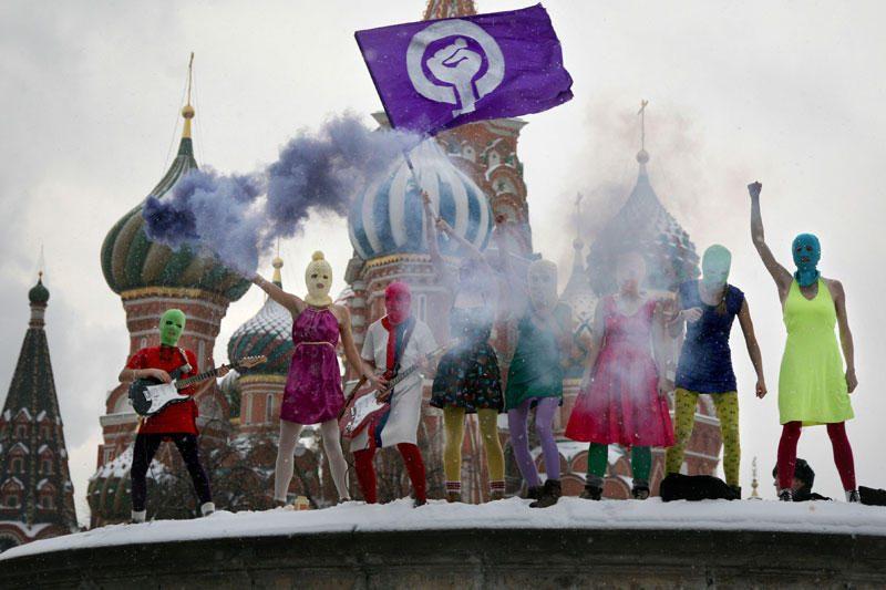 """Rusų televizija: už """"Pussy Riot"""" stovi išeivijos oligarchas"""