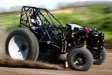 """Rusijoje pagamintas greičiausias pasaulyje traktorius """"Bizon"""""""