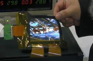 Pademonstruoti lankstūs elektroninių skaitytuvų ekranai