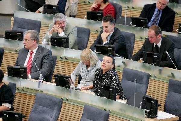 Parlamentarus norima įpareigoti rinkėjams teikti savo veiklos ataskaitas