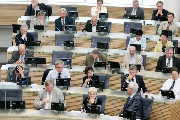 Griežtinama parlamentinių išlaidų naudojimo tvarka