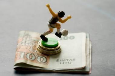 Anglijos klubai algoms išleidžia per milijardą svarų