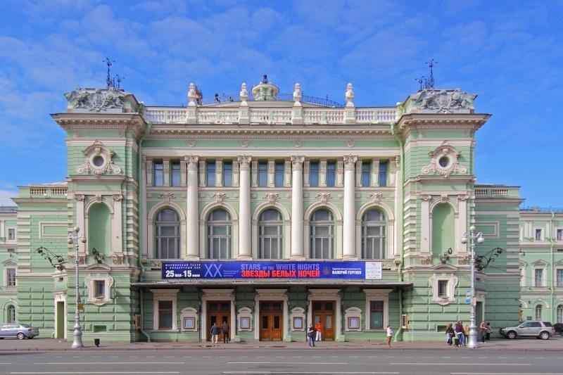 Atidaromi prieštaringai vertinami naujieji Marijos teatro rūmai