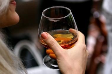 Pernai dėl alkoholio vartojimo mirė mažiau gyventojų