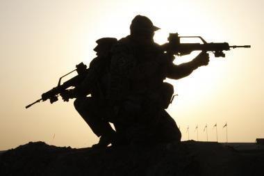 Teismas baigia nagrinėti už alkoholio vartojimą iš misijos Afganistane atšauktų karių skundus