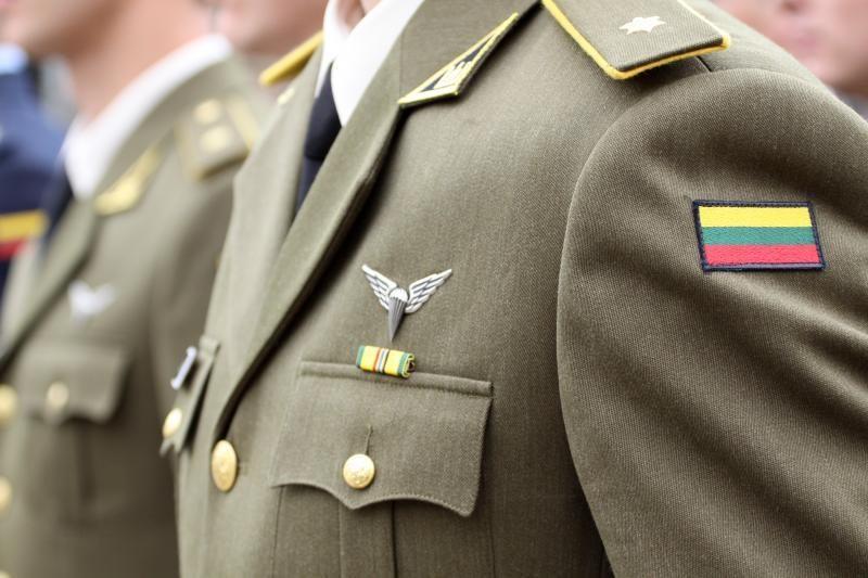 Iš akademijos atleistam kariūnui lėšų už studijas grąžinti nereikės