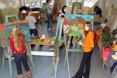 Retrospektyvoje – moksleivių ir mokytojų kūriniai