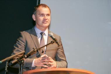 Buvęs Nacionalinės mokėjimo agentūros vadovas ir žemės ūkio viceministras pripažinti piktnaudžiavę tarnyba