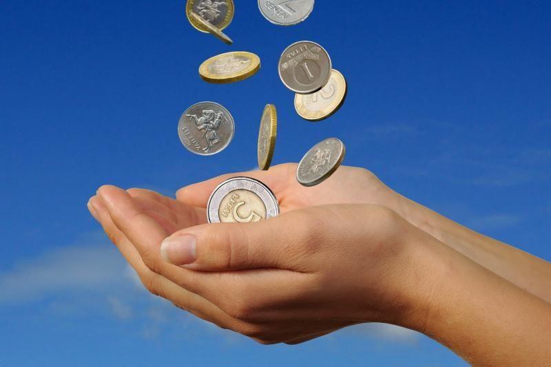 Vyriausybė pradeda svarstyti 2012 metų biudžetą