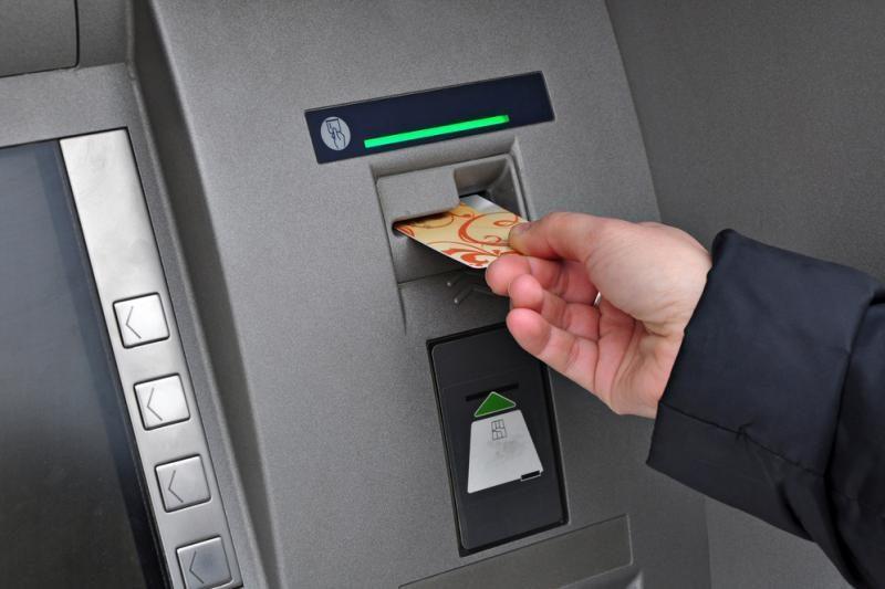 Naujas sukčių triukas – meluoti apie vagystes iš banko sąskaitų