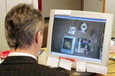 Studentas Kaune platino vaikų pornografines nuotraukas