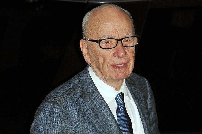 Murdochas atsistatydino iš britų laikraščių valdybų