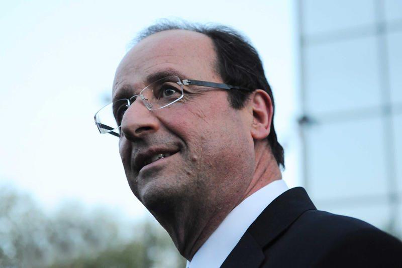 F.Hollande'as žada užsieniečiams suteikti teisę balsuoti