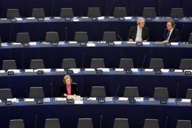 Visuomenininkai reikalauja VRK panaikinti prieš metus vykusių EP rinkimų rezultatus