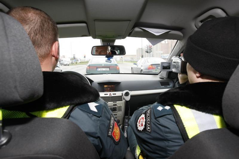 Policija užtvėrė įvažiavimą į Klaipėdą: įkliuvo 5 girti vairuotojai