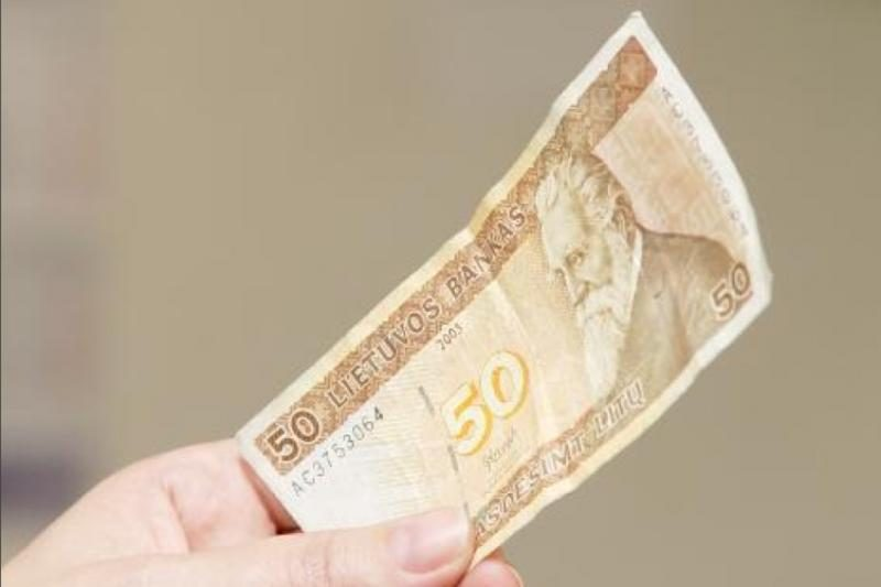 Vilniuje azerbaidžanietis bandė už 50 litų papirkti policininką