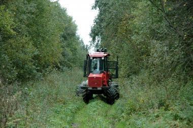 Šilainių seniūnijos planuose – naujas traktorius