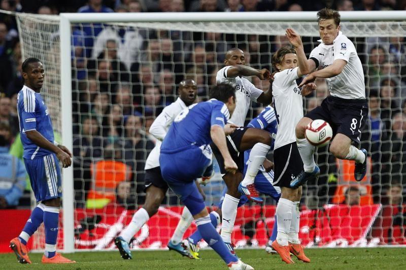 """""""Chelsea"""" saugas D. Villa į anglų klubą priimtų išskėstomis rankomis"""