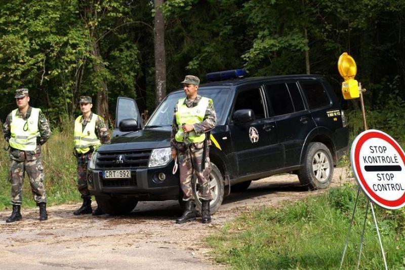 Pasieniečiai susekė tarptautinę nelegalų gabentojų grupuotę