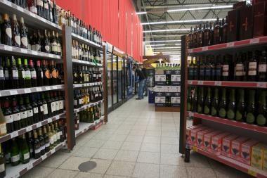 Prezidentė vetuos įstatymą, numatantį ilginti prekybos alkoholiu laiką