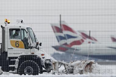 Vilniuje vėlavo skrydis į Kijevą, Kaune atšaukti skrydžiai į Dubliną