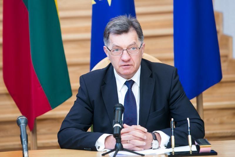 """A. Butkevičius: dėl mažesnės """"Gazprom"""" dujų kainos, negali būti mainų"""