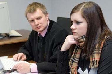 V.Iljinych kaltinama sumušus ir Berneen, ir dar vieną merginą