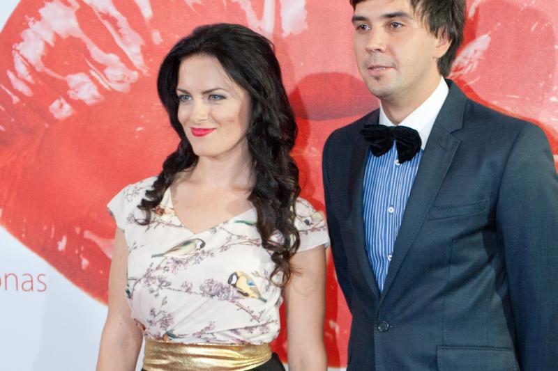 P. Skučas ir Ž. Vaškytė po darbo draugauja šeimomis