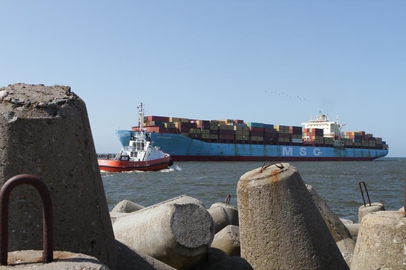 Klaipėdoje prisišvartavo rekordinio ilgio laivas