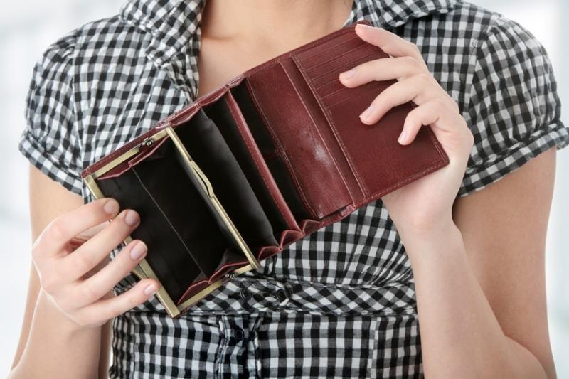 Lietuviai beveik pusę algos išleidžia mokesčiams