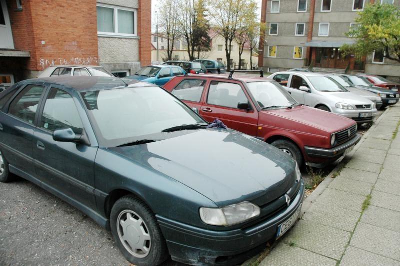 Seimas nagrinės PVM automobiliams rebusą