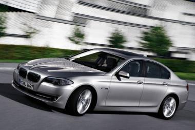 Kaliningrade pradedami surinkinėti naujieji 5 serijos BMW