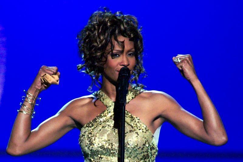 Whitney Houston testamentu buvusiam vyrui nepaliko nieko