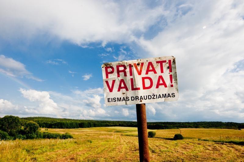 Sostinėje dirvonuojančios žemės savininkus baus mokesčiais
