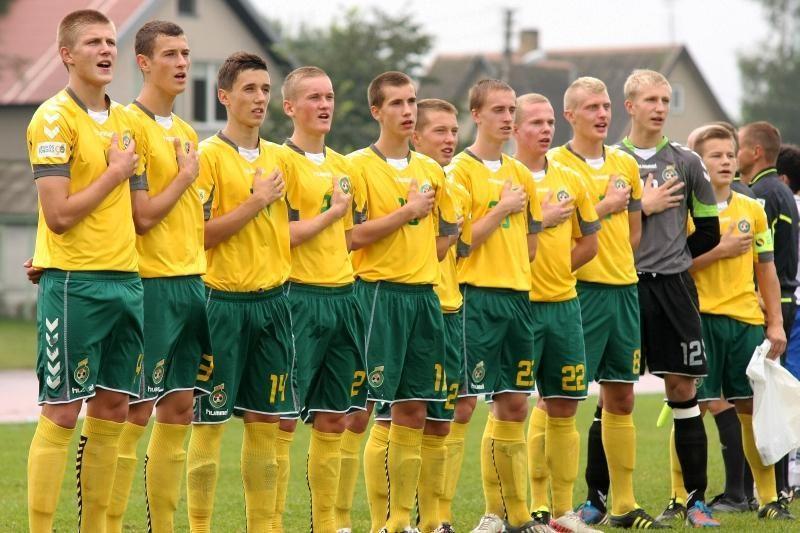Lietuvos septyniolikmečių futbolo rinktinė sužaidė taikiai su olandais