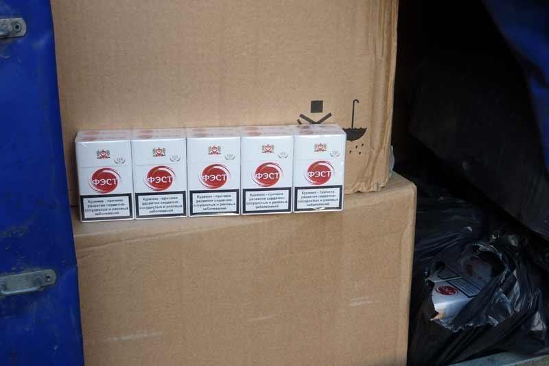 Panevežietis vežėsi kontrabandinių cigarečių už 280 tūkst. litų
