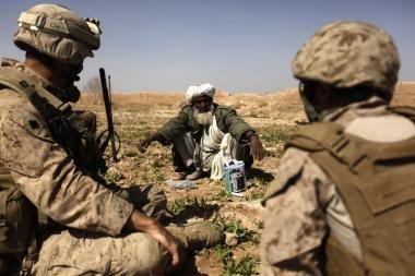 Afganistano vakaruose sprogus bombai žuvo trys užsieniečiai kariai