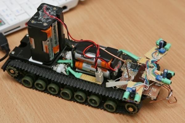 KTU mokosi būsimieji robotų specialistai